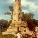 Monumento à Benjamin Constant, na praça da República, no Rio, com a Humanidade em seu topo