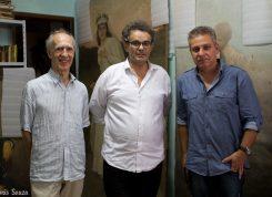O filósofo J.-F. Braunstein (no centro), presidente da Maison Auguste Comte, com Alexandre Martins (à dir.), diretor da IPB, e Bertrand Rigot-Muller, diretor da Soluções Urbanas (à esq.)